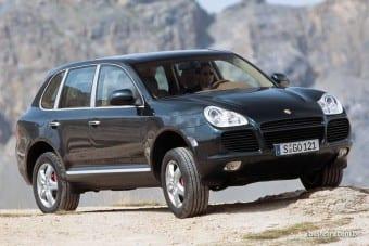 Belo o Cayenne não era, mas a Porsche soube aplicar sua essência a um utilitário esporte