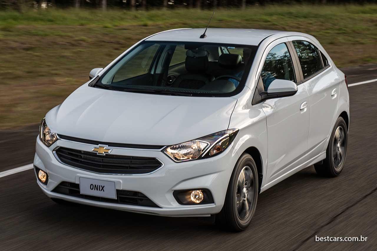Chevrolet Onix 01