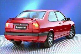 O Fiat Tempra de duas portas foi elaborado para atender à estranha preferência local