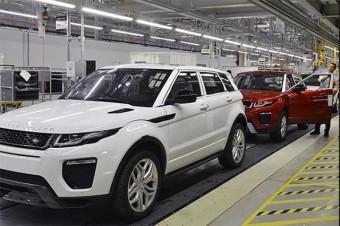 O Rota 2030 está em discussão em salas fechadas, participando apenas ministérios e empresas (foto ilustrativa da fábrica da Land Rover)