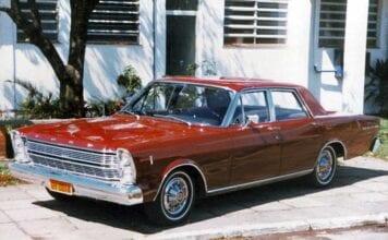 Ford-Galaxie-1967-05